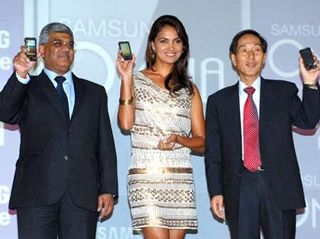 SAMSUNG-INDIA-UNVEIL-OMNIA-HD-AND-OMNIA-PRO-MOBILE-PHONE